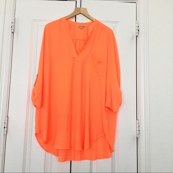 65ced22a30 Gibson   Latimer Tops - Orange Blouse from Dillard s!🍊